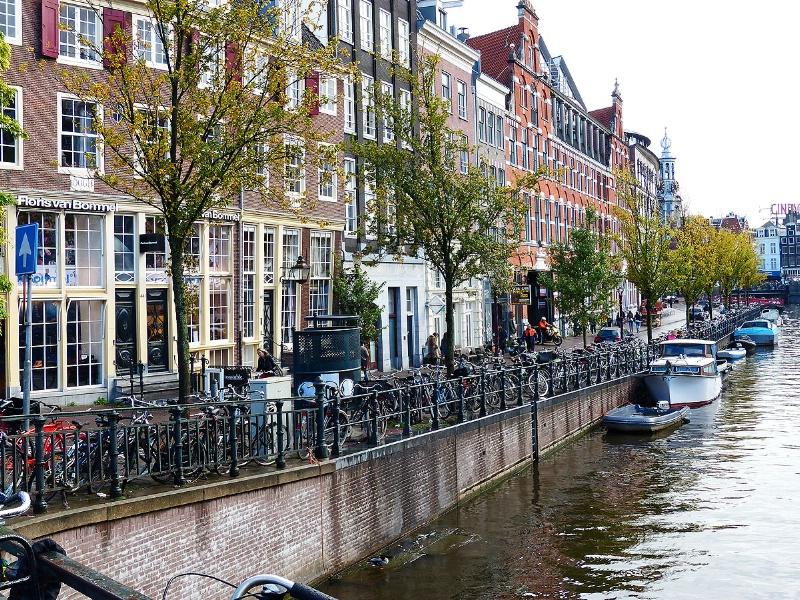 Canalside (Amsterdam) - ID: 13646795 © STEVEN B. GRUEBER