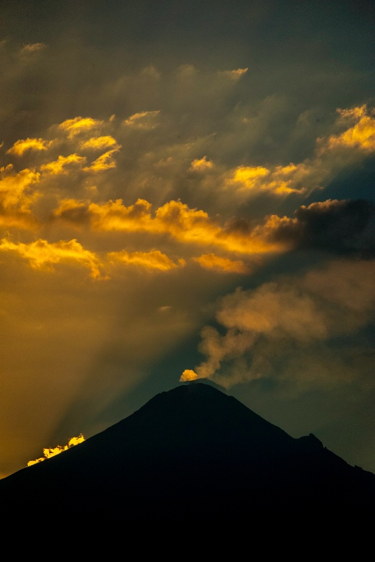 Popocatepetl Center - ID: 13704641 © Denise Aulie