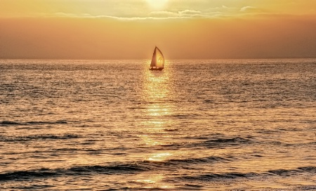 sailing-the-sun-beam