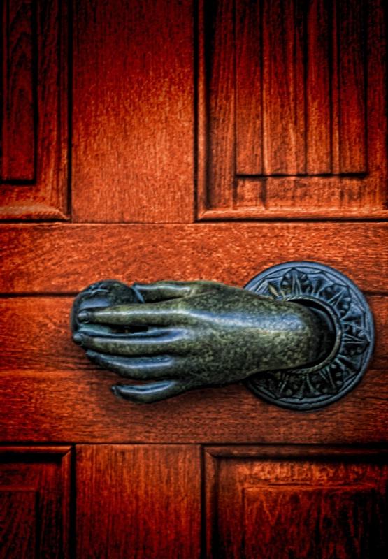 One Classy Door Hand-le