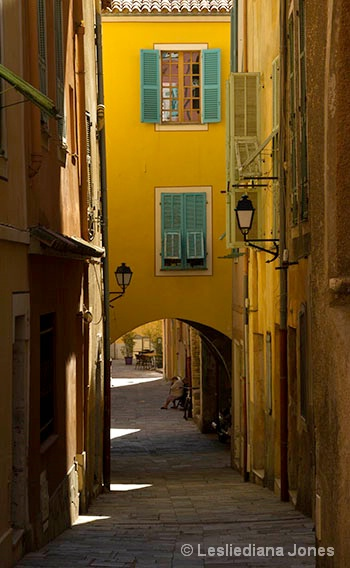Street in Villefranche - ID: 13730384 © Lesliediana Jones