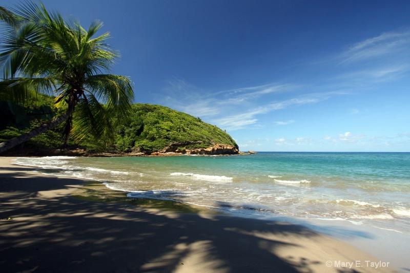 Batibou Beach, Dominica - ID: 13745152 © Mary E. Taylor