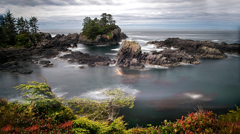 Overlooking the Rocks - ID: 13914116 © Kelly Pape