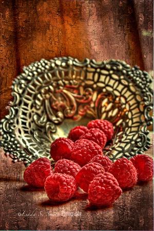 fresh raspberries anyone???