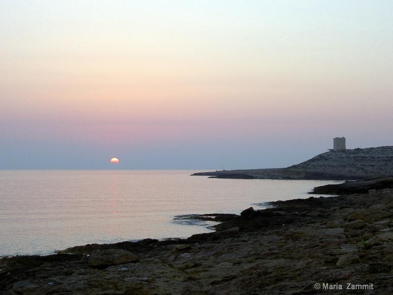Sunrise at  Baħar iċ-Ċagħaq,