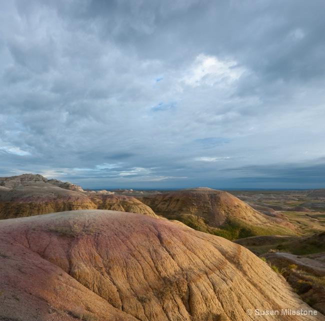 Yellow Mounds Pan 1 - ID: 14121531 © Susan Milestone