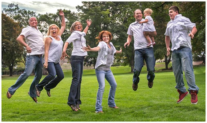 Fun Family Portrait - ID: 14153356 © Kelly Pape