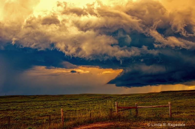 Storm clouds - ID: 14206417 © Linda R. Ragsdale