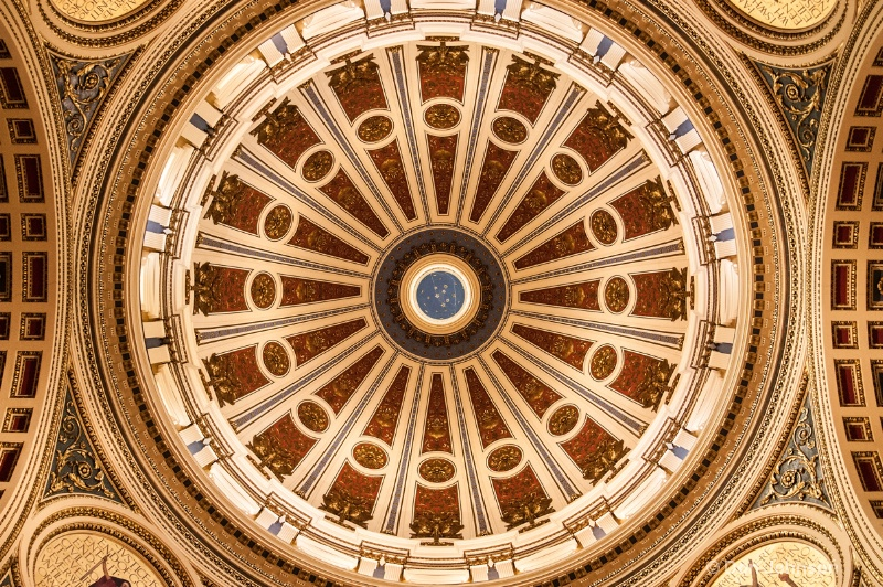 Harrisburg Statehouse Dome - ID: 14244045 © Don Johnson