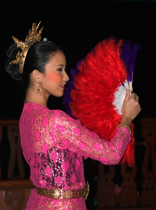 Fan Dancer, Bangkok, Thailand - ID: 14255822 © Frank Silverman