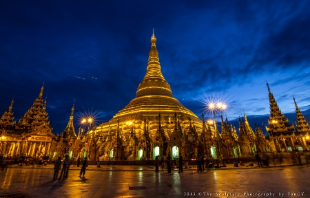 ~~ The Blue Hour at ShweDagon Pagoda ~~