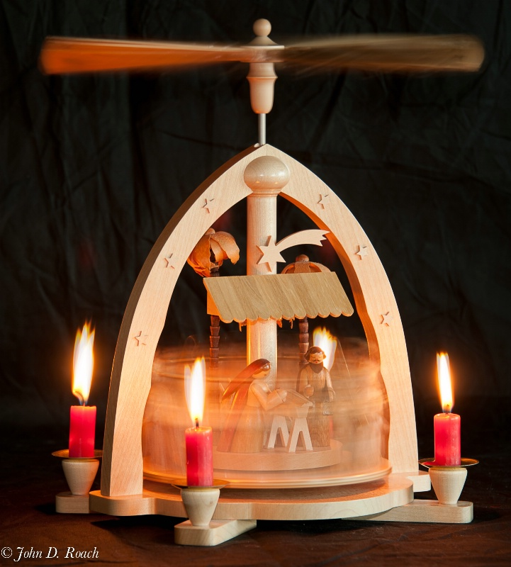 Advent Candles -- Single Exposure - ID: 14305094 © John D. Roach