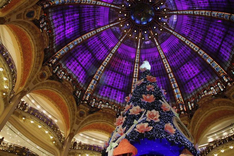 Christmas in Paris VIII
