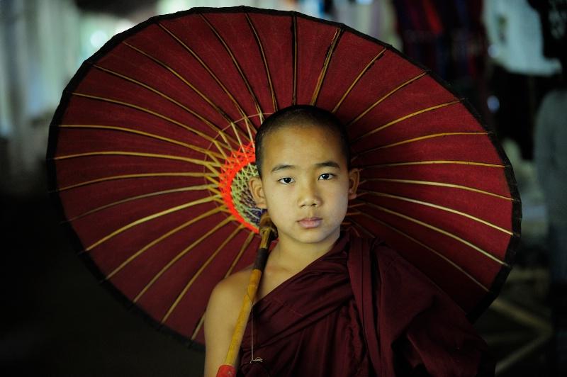 The Novice and Red Unbrella - ID: 14358117 © Kyaw Kyaw Winn