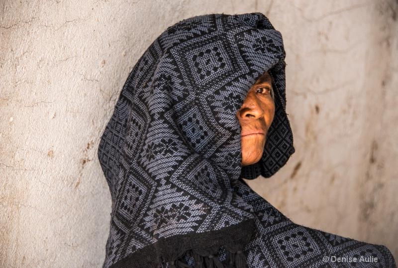Popoloca Woman - ID: 14402578 © Denise Aulie