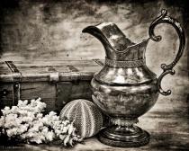 antique urn