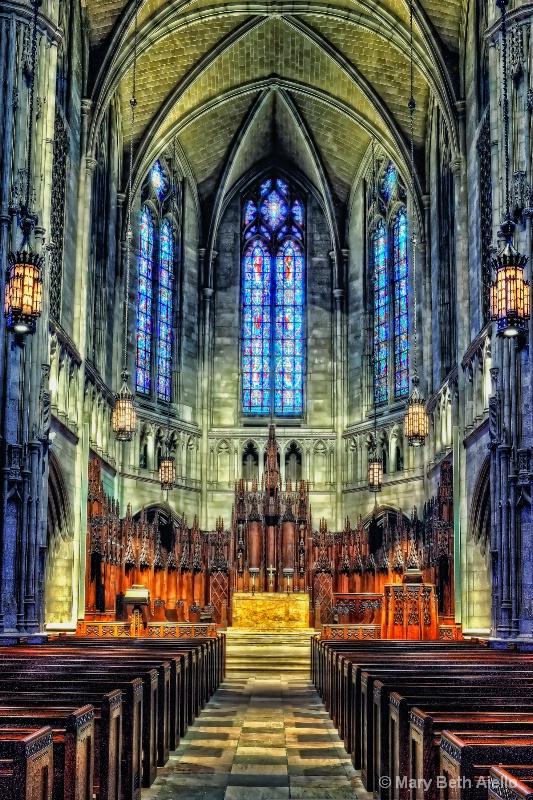Altar at Heinz Chapel