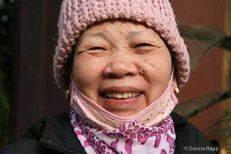 pink hat grin-sm - ID: 14432186 © Donna Rapp