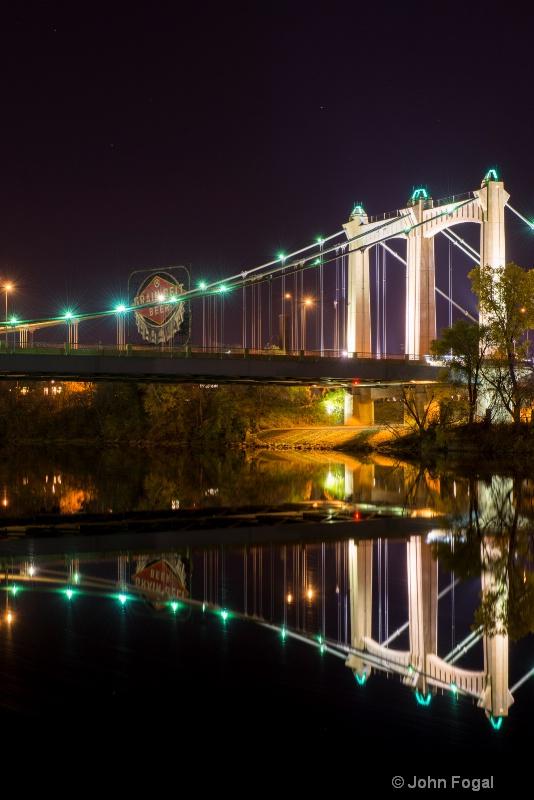 grain belt bridge vertical - ID: 14437506 © John Fogal