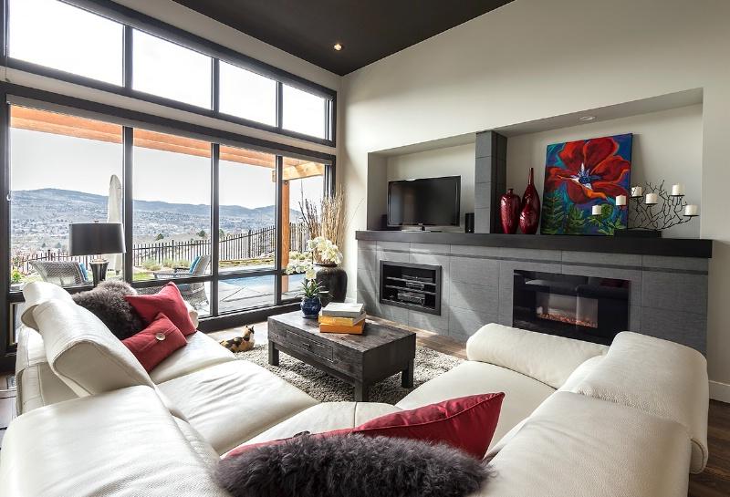 Livingroom - ID: 14446967 © Kelly Pape