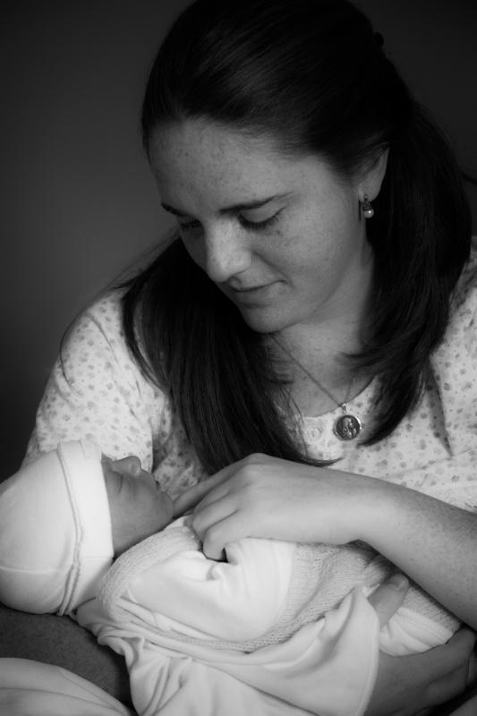 Nueva madre (new mother) - ID: 14476462 © Tomás Widow