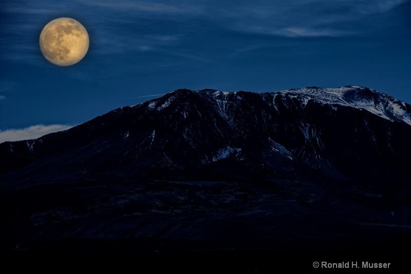 Moon Light in the Eastern Sierra