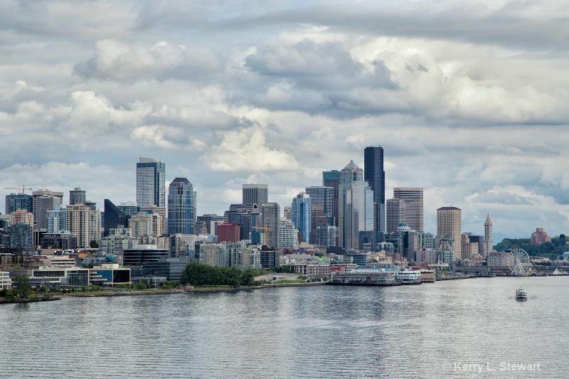 Seattle Skyline - ID: 14507880 © Kerry L. Stewart