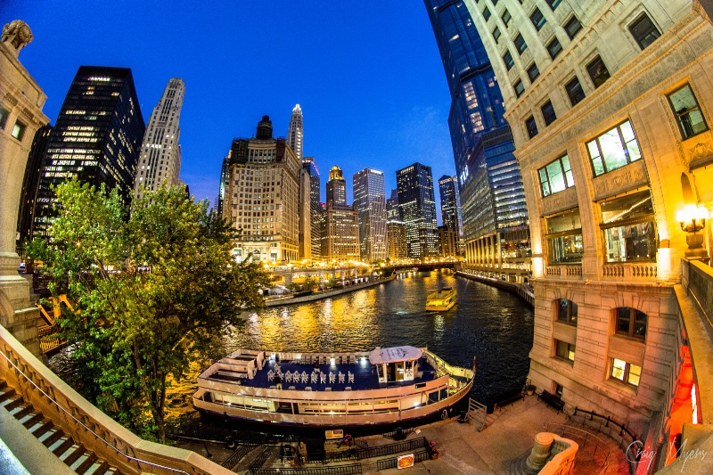 Chicago River - ID: 14523187 © Craig W. Myers