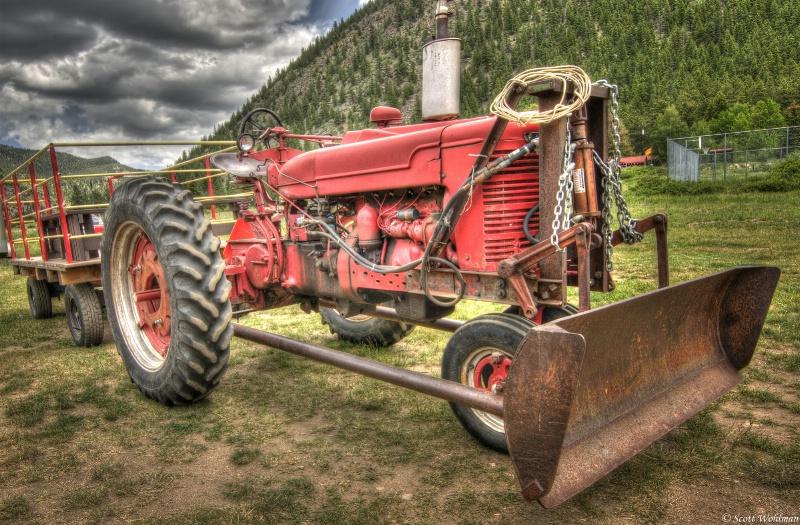 Empire, CO Tractor