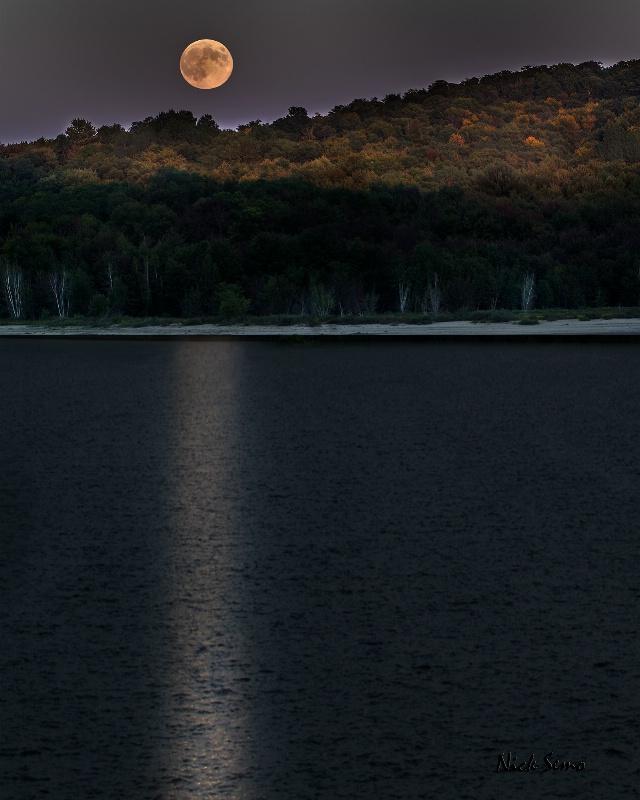 Harvast Moon