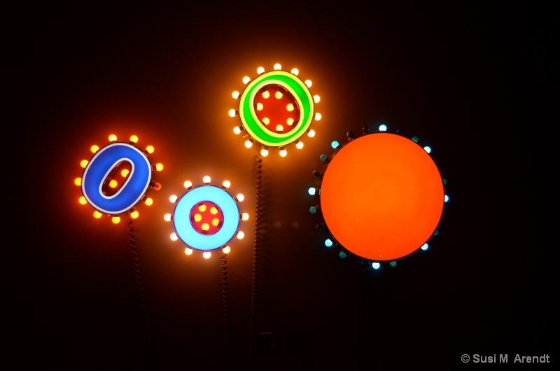 Circles - ID: 14685962 © Susanne M. Arendt