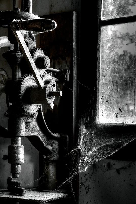 Drill Press - ID: 14730498 © Kelly Pape