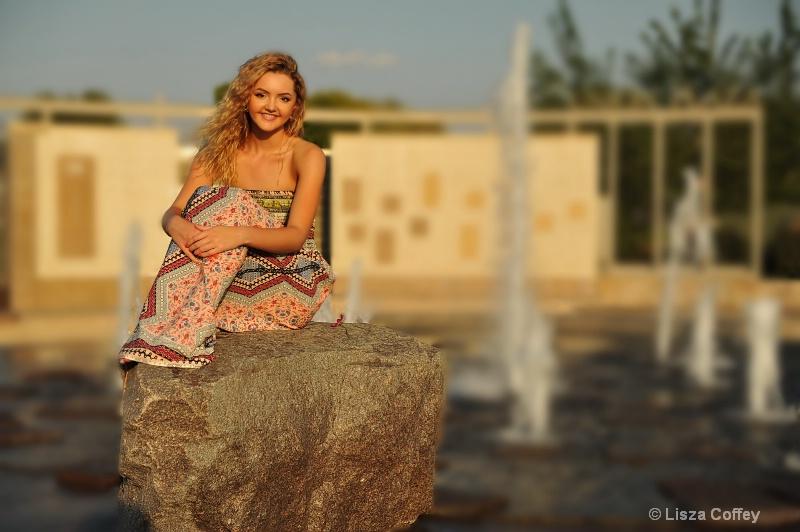 savannah on a rock1 - ID: 14735658 © Lisza M. Coffey