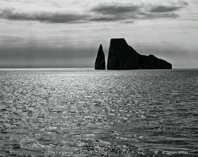 kicker rock  galapagos - ID: 14812174 © Dawn Miller