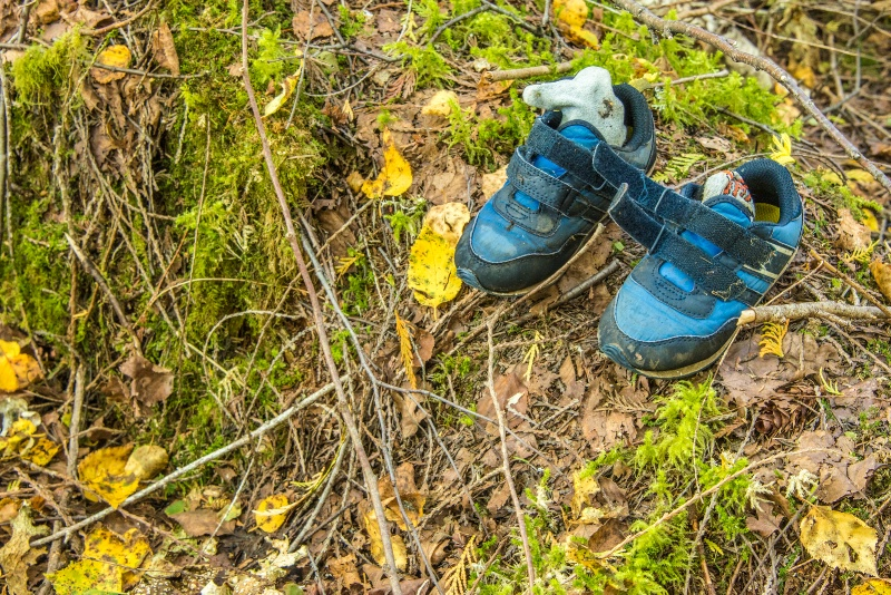 lost pair of shoes -    larry citra - ID: 14814505 © Larry J. Citra