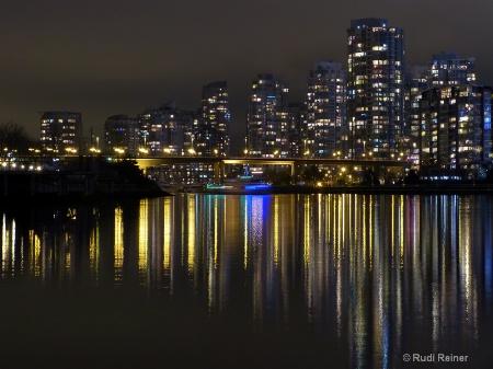 Bridge to the city, Vancouver BC