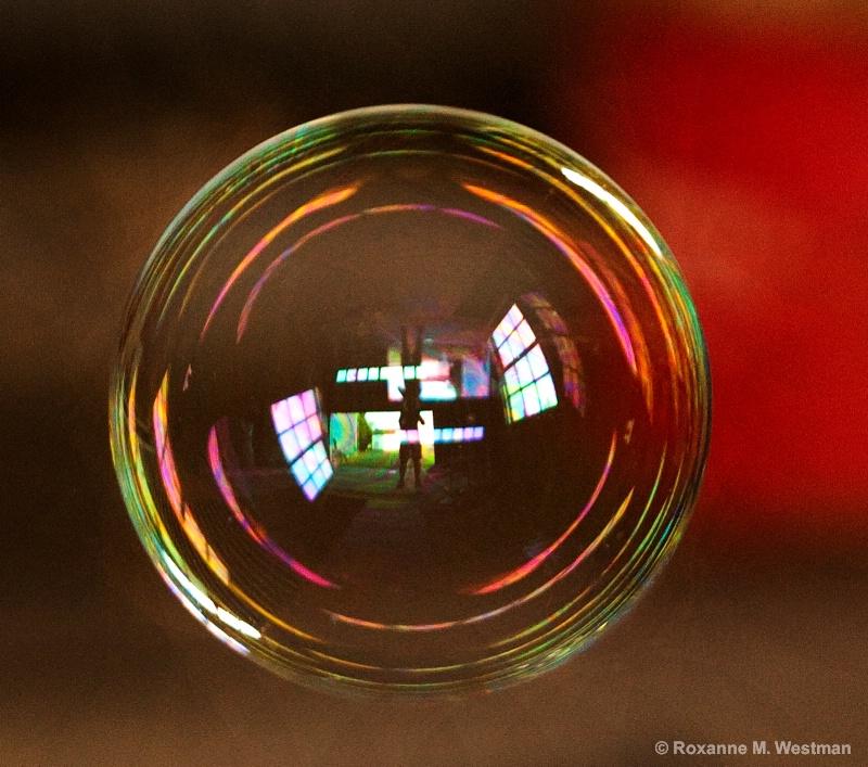 Selfie in a bubble - ID: 14843018 © Roxanne M. Westman