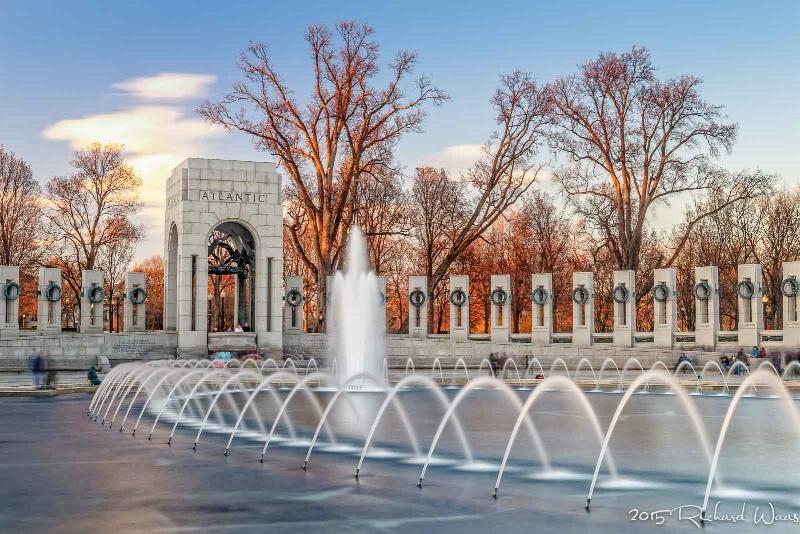 World War II Memorial at Sunset - ID: 14873142 © Richard M. Waas