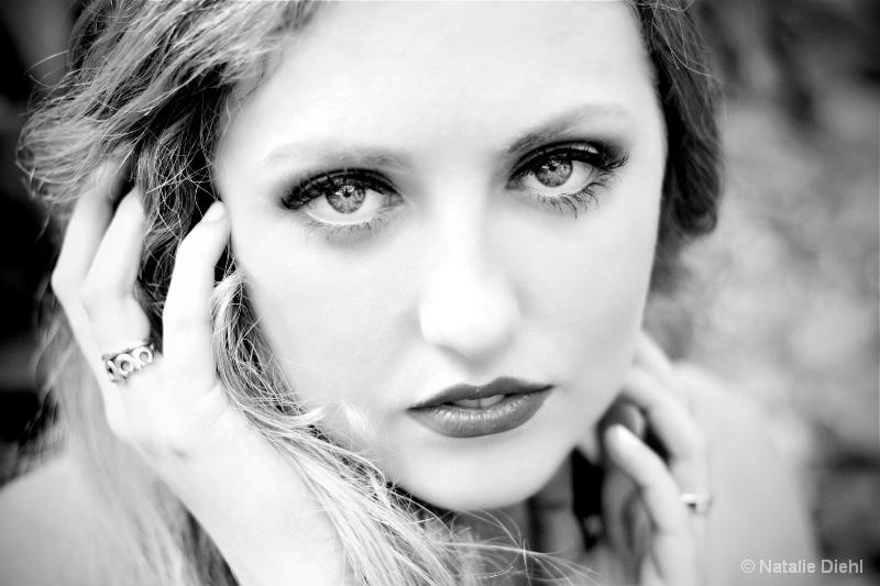 Beauty in black/white