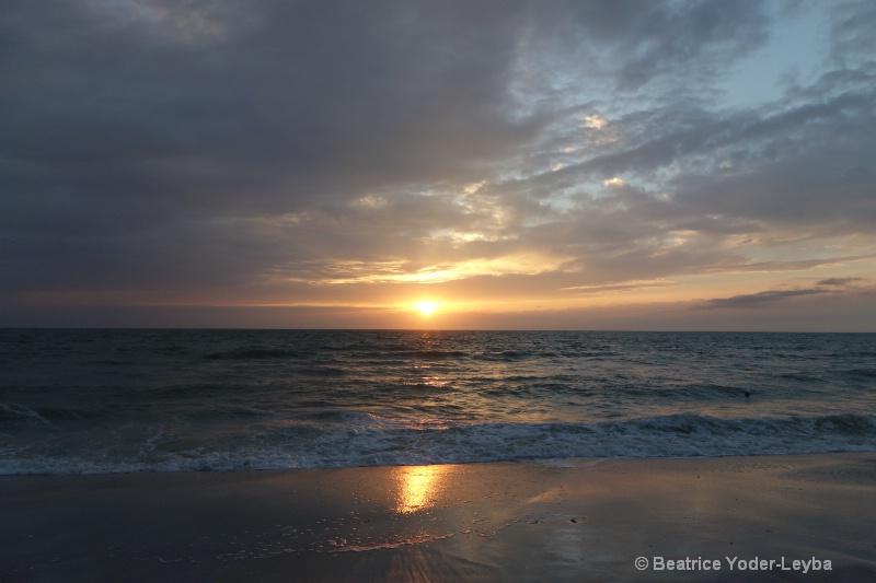 Naples FL Sunset 2014 - ID: 14898605 © Beatrice Yoder-Leyba