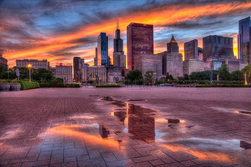 Chicago Sunset Reflections - ID: 14922202 © Leslie McLain