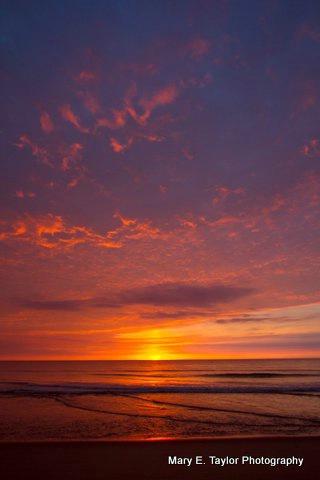 sunrise at coast guard beach - ID: 14927211 © Mary E. Taylor