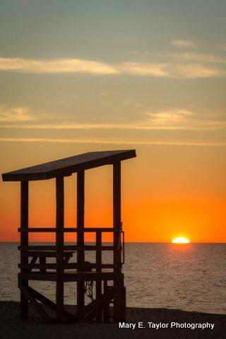 sunrse at seagull beach iii - ID: 14927214 © Mary E. Taylor