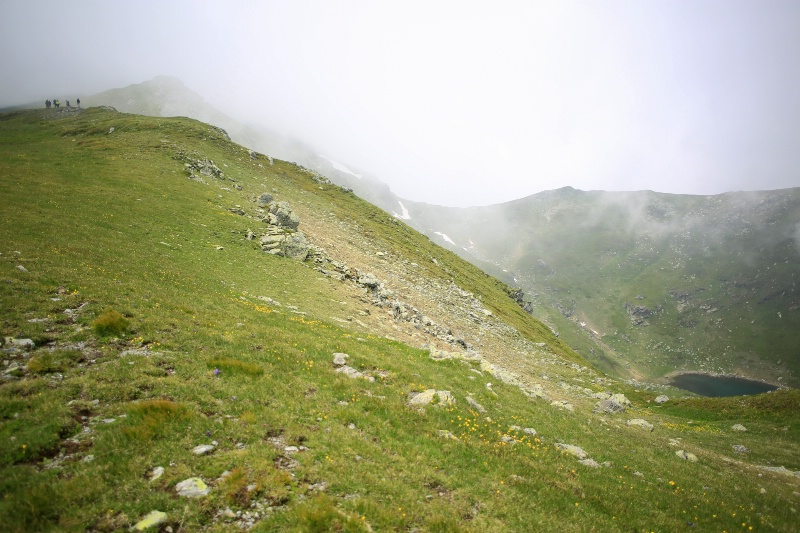 Lake and Hikers - ID: 14935691 © Ilir Dugolli