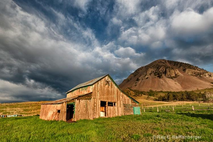 h0c7248 hills2015 - ID: 14939496 © Raymond E. Reiffenberger