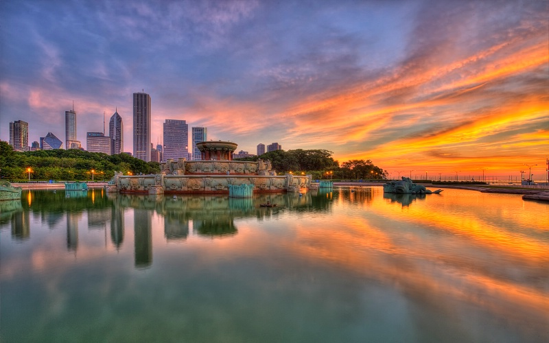 Beautiful Chicago Morning - ID: 14941621 © Leslie McLain