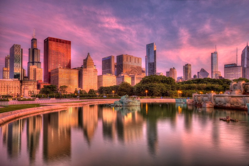 Skyline Sunrise Reflections - ID: 14942703 © Leslie McLain