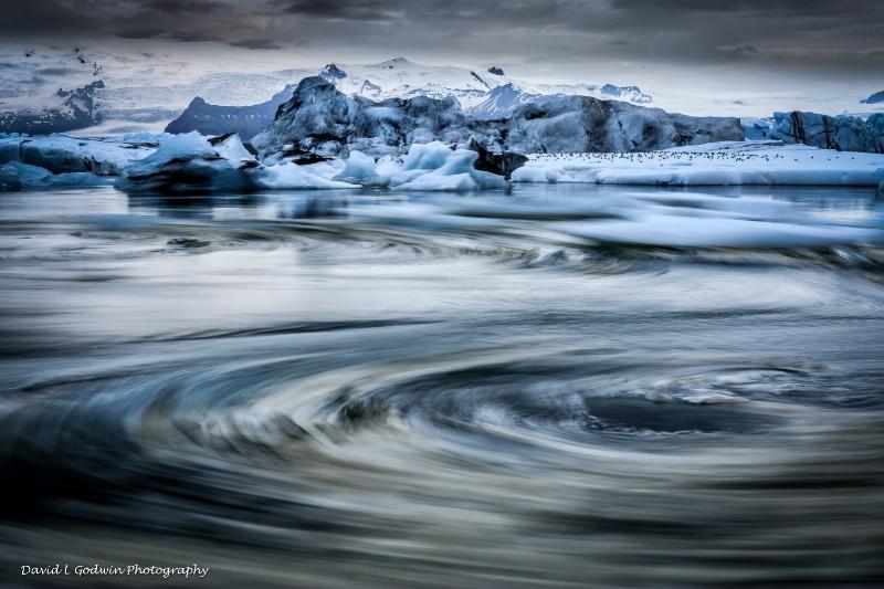 Glacier whirlpool