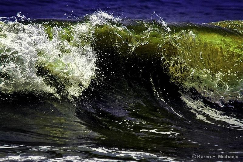 imploding - ID: 15017645 © Karen E. Michaels
