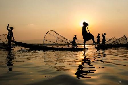 innthar fishermen   win kyaw zan
